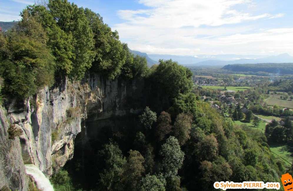 Vue d'en haut sur Artemare