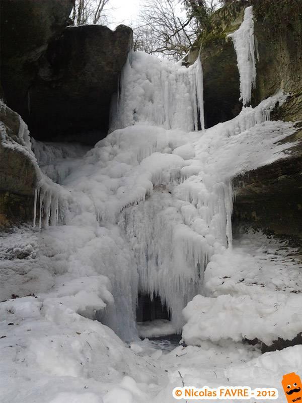 Le Puits des Tines sous les glaces, février 2012