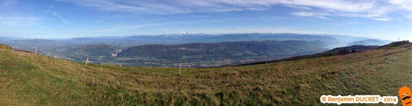 Vue panoramique sur le Mont-Blanc depuis le Grand-Colombier
