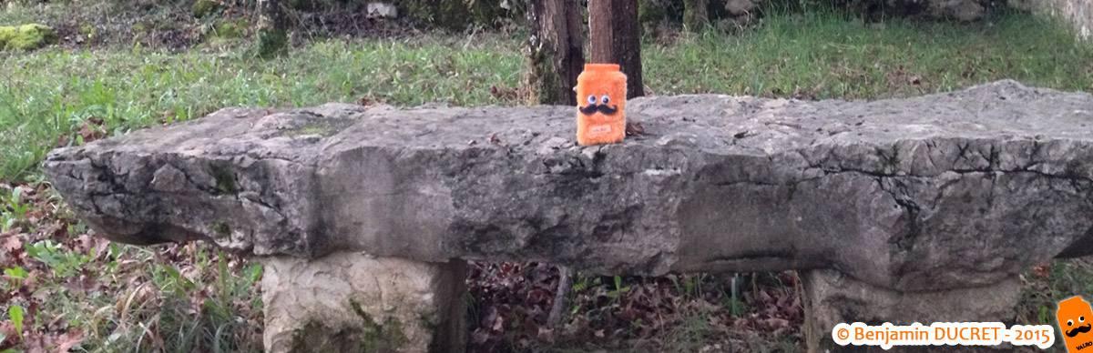 Valro sur un banc au Fierloz